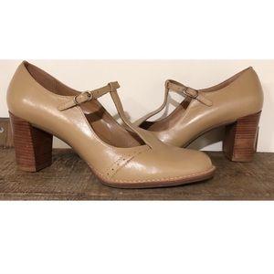AEROSOLES Mary Jane tan leather heels 7.5